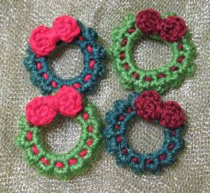 Little Christmas Wreath - M2H Designs
