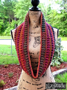Christmas_Present_CAL_2015_Project__1_Using_Worsted_Weight_Yarn_by_ELK_Studio