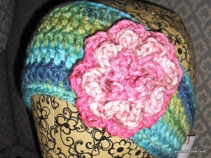Lorraine-Free-Crochet-Ear-Warmer-Pattern-Blue-Green