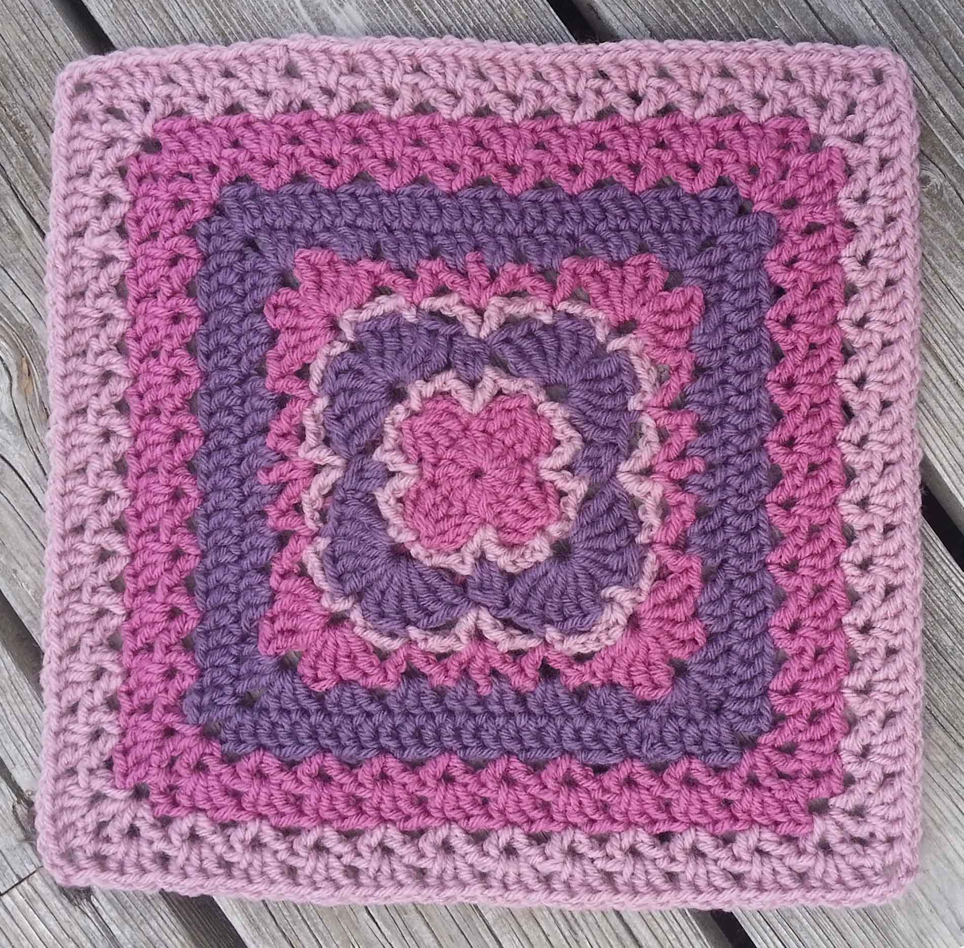 Fans & Lace Afghan Square   Mamas2Hands